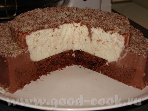 А*ля Кокосово-Шоколадный мусс Анюткино Чудо , использовала половину коржа, поскольку получился высо...