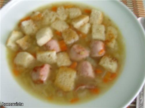 Гороховый суп с копченостями Что нужно: 350 г сухого гороха 150 г копченого бекона или сосисек 200...