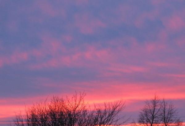 снежинки на окне Просто зимний пейзаж пурпурный закат - 6