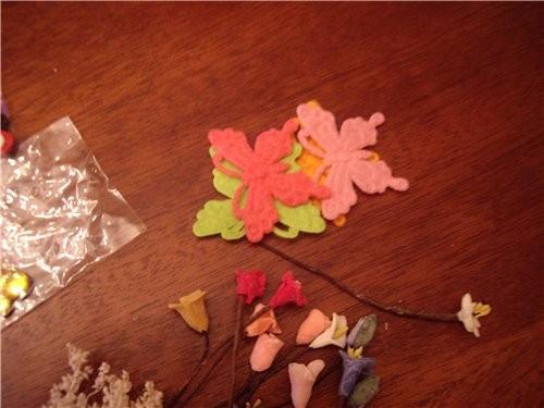 А из этих цветков мы плели венки, для подставок - 2