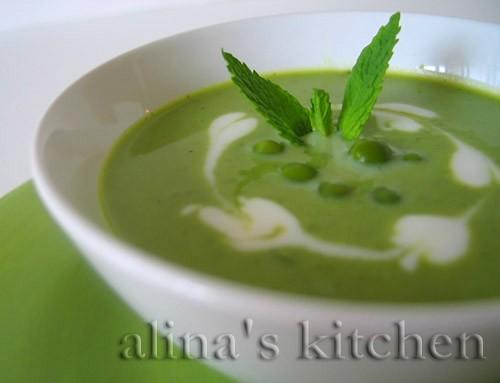 На обед себе сегодня варила диетичный Суп-пюре из зеленого горошка с мятой Рецепт дала : 4 ст