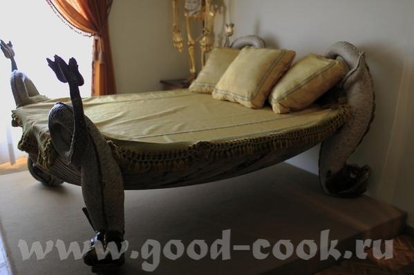 Кровать, которую Сальвадор подарил своей жене - 3