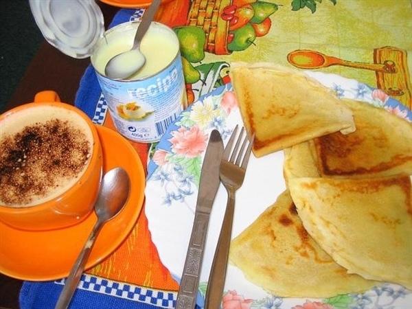 А мы сегодня завтракали блинчиками со сгушенкой