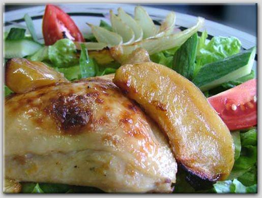 КУРИЦА С ЛУКОМ И ЯБЛОКАМИ 4 куриные четверти, разделенные на ножки и бедрышки, 4 кислых яблока, нар... - 2