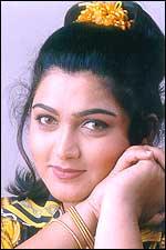 Интересно, что в южноиндийском кино ценятся именно полненькие и толстенькие актрисы - 2
