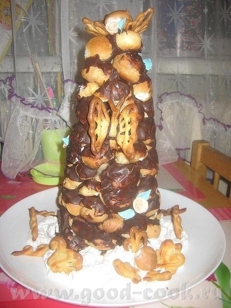 Для новогоднего стола подойдёт такой торт