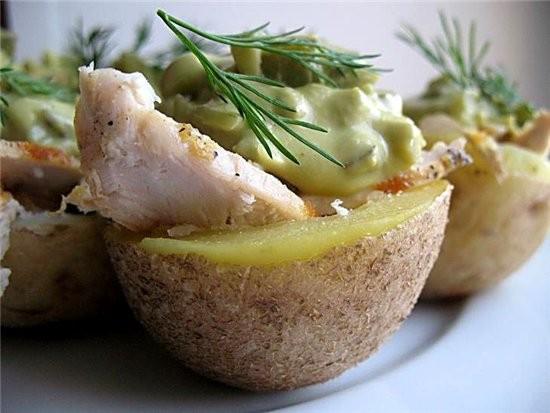 оливье с курицей по- новому из журнала гастрономъ зеленый горошек измельчите в блендере,протрите че... - 2