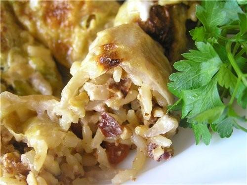 Эти голубцы с необычной начинкой, рис получается с ореховым вкусом, а изюм и кориандр придают ему о... - 2