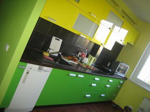 А нам вчера кухню доделали