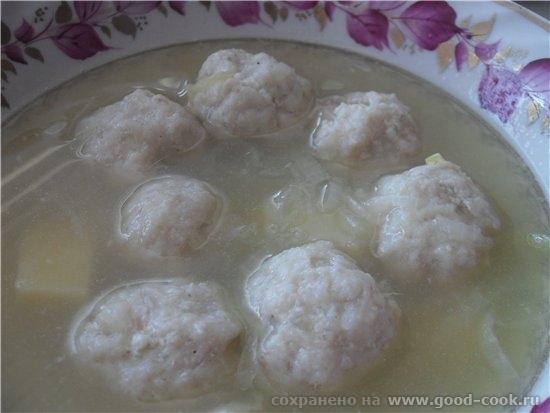 Рыбный суп с фрикадельками рыбный бульон (я варила на головах, шкурах и костях от рыбы) картофель 5...