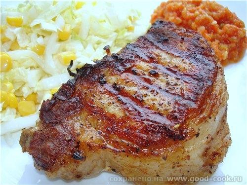 Вот такие свинные стейки жарил муж на 23 февраля Ооочень сочное мяско
