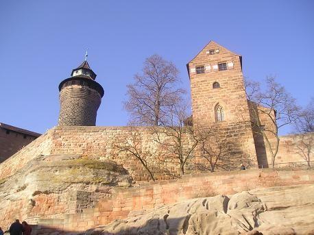 """На смотровой площадке крепости виден весь город: - вот тебе полно """"необычные крыши из красного кирп... - 3"""