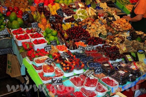 Знаменитая улица Рамблас Рынок Бекерия У нас правда тоже особо не было времени там погулять, да и м... - 6