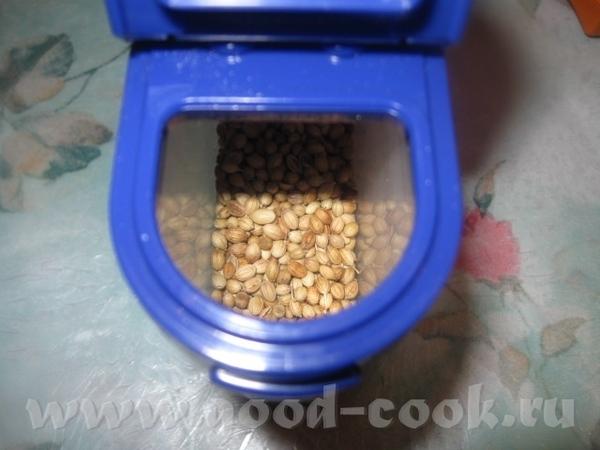 Выкладываем получившуюся зажарку в кастрюлю с фасолью (фасоль должна быть уже мягкой), пробуем на с... - 3