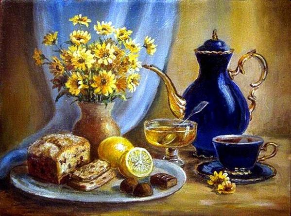 Чай с медом, кекс и конфеты