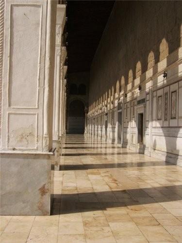 Пройдя немного вперед поворачиваем направо -здесь вход в мечеть Омейядов - 4