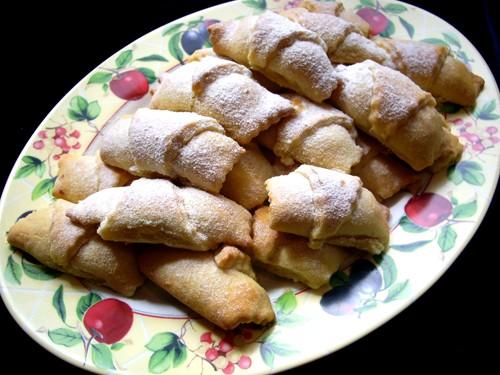 Мутаки можно делать с разными начинками:ореховой,джемовой