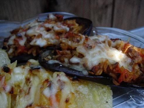 Я вчера ужинала/обедала Картошечкой запеченной в духовке и фаршированными баклажанами