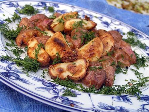 Картофель у нас дома бывает крайне редко, но в те дни когда всё же очень хочется картошечки, я дела...