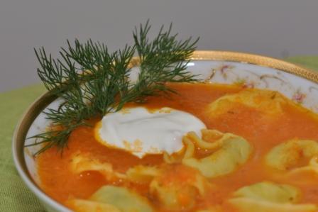Томатный суп-пюре с тортеллини