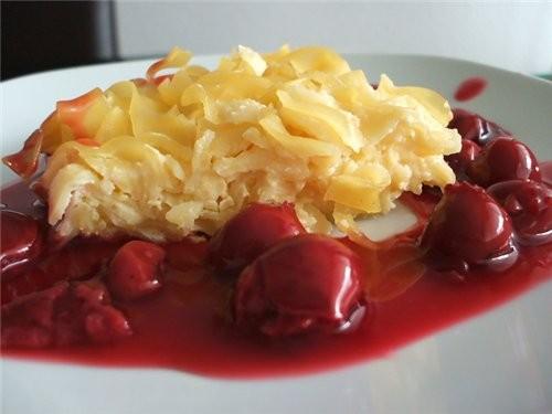 Сладкая запеканка из лапши с вишневым соусом Яблочный хлеб