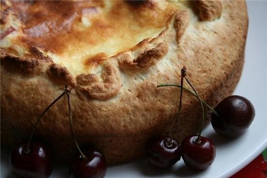 Пирог с черешней Для теста: 200 г муки 100 г мягкого творога 2 ст