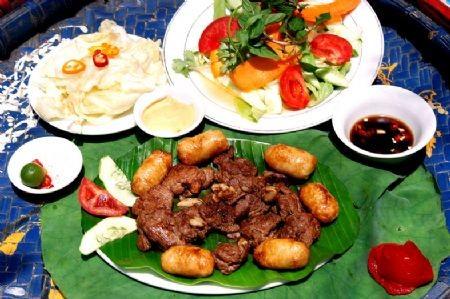 Говядина жареная в бамбуковом колене Для приготовления данного блюда следует выбрать свежую говядин... - 3