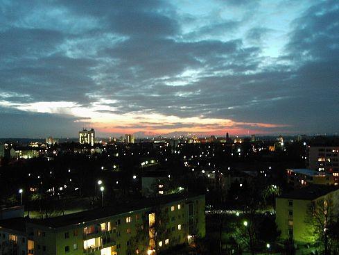 """А вот такие закаты иногда """"показывают"""" с моего балкона самые дальние светящиеся точки на последнем... - 2"""
