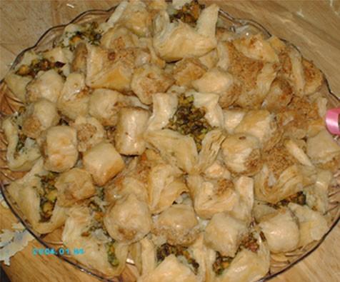 а я сегодня купила Баклаву - сладости из теста фило с арахисом и фисташками