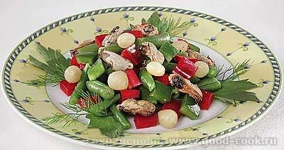 Фасолевый салат с мидиями Необходимые продукты: фасоль стручковая - 300 г мидии консервированные от...