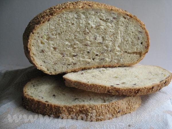 Девочки, угощайтесь вкусным зерновым хлебушком: Тесто замесила вечером, на ночь поставила в холодил...
