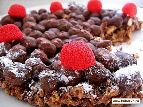 такой несложный и быстрый тортик,к чаю хрустящий шоколадно-ореховый торт 150 гр кукурузных хлопьев...