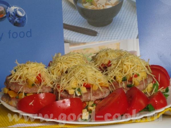 Мясные гамбургеры с овощами и сыром Ингредиенты: ■ 600 г свинины (или телятины) ■ 1 лук... - 6