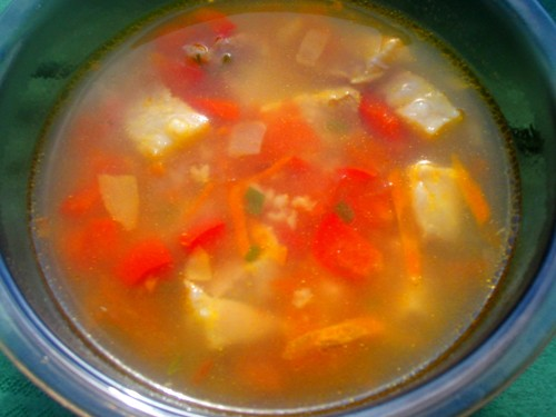 У нас сегодня легкий ужин: супчик с пшеном, мяском и овощами