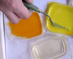 3 Готовлю краски жидко разводя их с очищенным подсолнечным маслом, тройчаткой или скипидаром