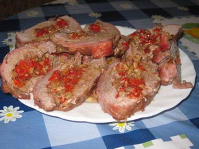 лови рецепт рулета с задней частью свинины: Рулет свиной с овощами и грибами