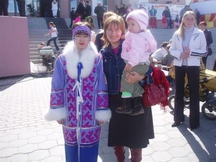 Несколько фоток оттуда Девушка в национальной одежде - 2