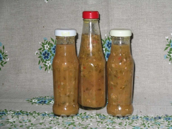 Светик, этот: Острый соус из ягоды ( крыжовника, красной смородины) Рецепт я давала немного раньше,...
