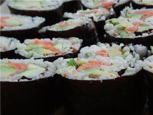 Вот еще фоток из того,что мы кушали на етой неделе Sushi (рецепт в содержании на первой стр