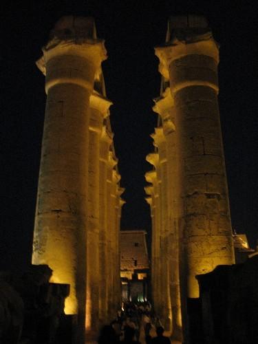 Храм Луксор Моя любимая фотография (хоть и не самая качественная) – в темном небе Луксора над камня... - 3