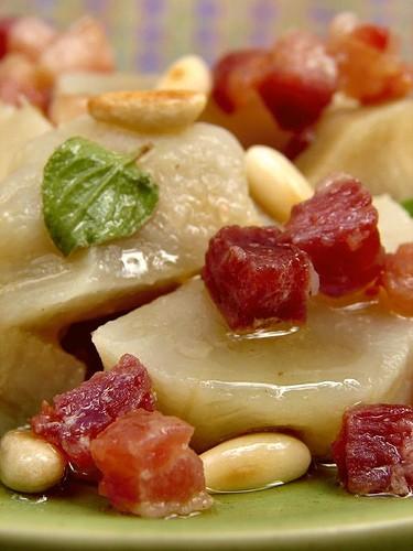 Артишоки с кедровыми орехами и беконом 3 артишока 100 г бекона ( порезать на кубики) 2 ст