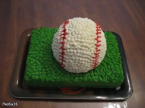 А это моё чудо кремовое, торт покрыт полностью кремом