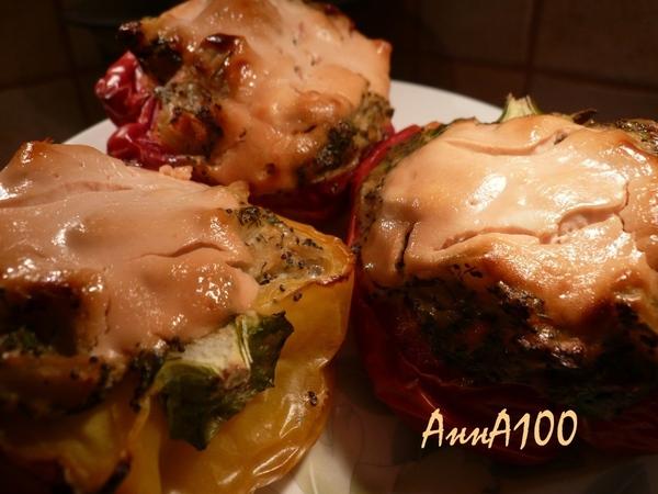 Фаршированные овощами перчики