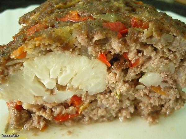 Мясная запеканка с цветной капустой Что нужно: 1 кочан цветной капусты 800 г мясного фарша лук репч...