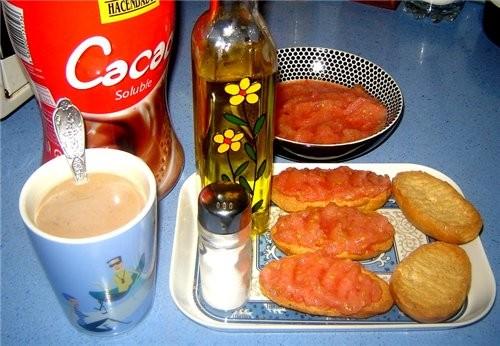 Типичный испанский завтрак Так завтракают не только дома