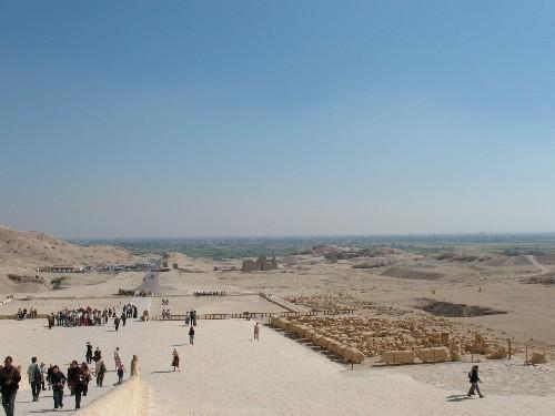 Вид с храма Хадшипсут