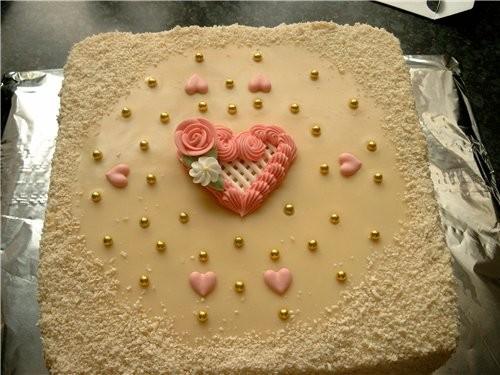 на свадьбу пекла такой торт(не для жениха и невесты, а просто на стол для гостей)