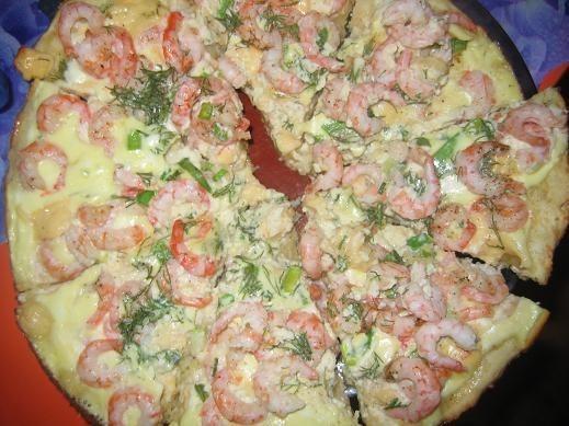 """вот ужин мужа вчера,пирог """"Коровьи креветки"""" ,рецепт с кукинга,еще салат из свещих овощей"""