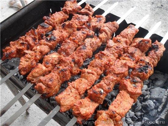 Несу вам очень вкусный рецепт шашлыка Шашлык из свинины в томате - свинина вырезка 2,150 кг - 4