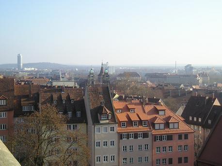 """На смотровой площадке крепости виден весь город: - вот тебе полно """"необычные крыши из красного кирп... - 2"""